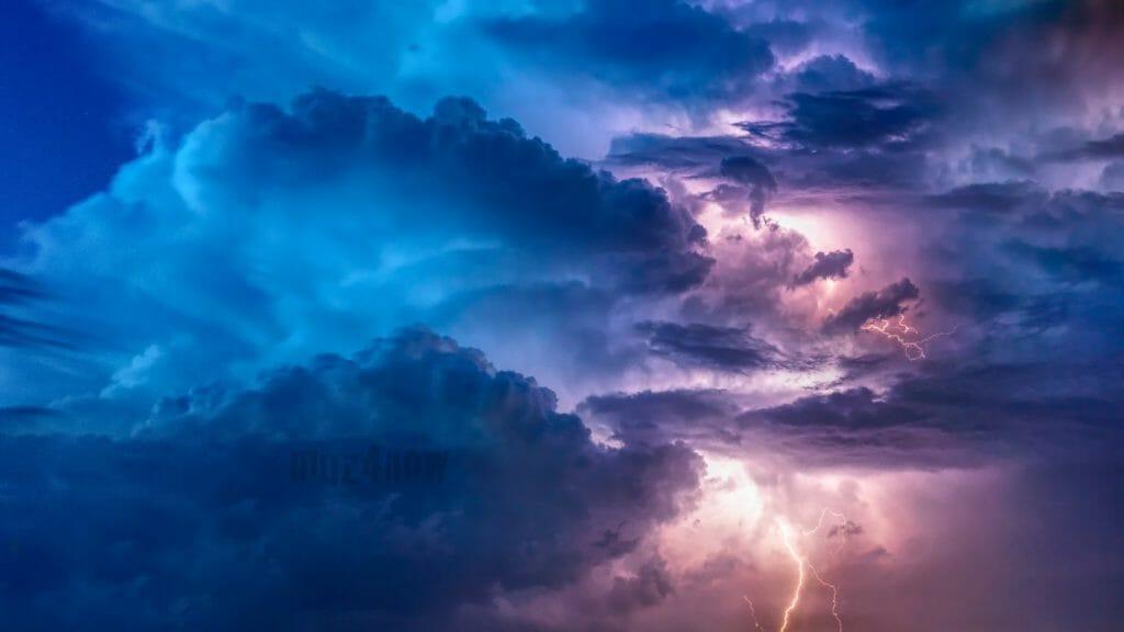 Thunderstorm - by Felix Mittermeier